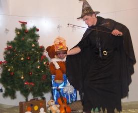 Профессор Магии и Волшебства со своей помощницей Алисой_8