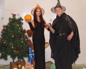 Профессор Магии и Волшебства со своей помощницей Алисой_7