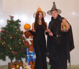 Профессор Магии и Волшебства со своей помощницей Алисой_5