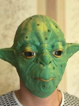 "Латексная маска ""Мастер Йода"""