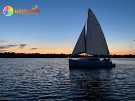 Романтическая прогулка на яхте для двоих
